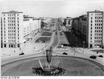 Berlin, Stalinallee, Strausberger Platz